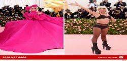 Lady Gaga resta in lingerie sulla passerella del Met Gala