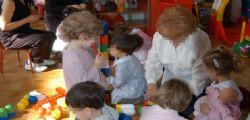 Botte ai bambini di 6 mesi in un asilo nido domiciliare! Arrestata una maestra
