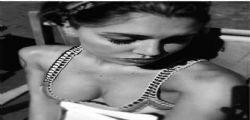 Belen Rodriguez ricorda Pino Daniele con una foto hot : l