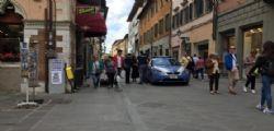 Pisa : Ladro minaccia di morte una commessa in Corso Italia