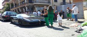 Funerali show per un altro Casamonica: Ferrari e pioggia di petali di fiori