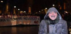 Insulti agli agenti a Torino : la maestra indagata per istigazione a delinquere, oltraggio e minacce