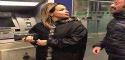 La moglie di Paolo Bonolis - Sonia Bruganelli : Che ci faccio con 30 euro?