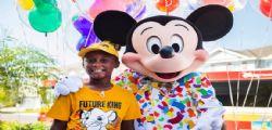 Rinuncia a Disney World! Il piccolo Jermaine usa i risparmi di un anno per aiutare gli sfollati Dorian