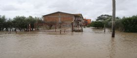 Maltempo Camapania : Nubifragio, esondano tre fiumi nel salernitano