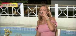 Striscia la Notizia smaschera Taylor Mega! 4 vodka e un drink prima di Live