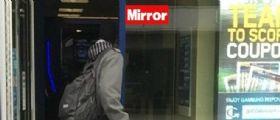 Manchester : Tenta di vendere un bambino nel Centro Commerciale