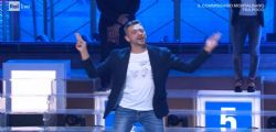 Canta i Maneskin con il linguaggio dei segni e Amadeus lo invita a Sanremo 2020