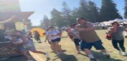 Spara sulla folla al festival in California! Almeno 4 morti e 15 feriti
