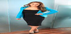Vanessa Knowles : si finanzia gli studi grazie alle pose hot sul web