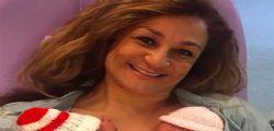 Gravidanza record : Nonna Tracey partorisce 4 gemelli