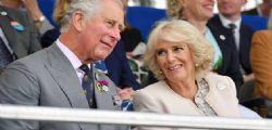 A rischio il matrimonio di Carlo d'Inghilterra : cercasi chirurgo plastico