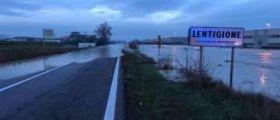 Maltempo in Emilia Romagna, il fiume Enza rompe gli argini : Mille evacuati nel Reggiano
