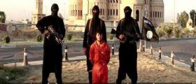 Isis / Afghani decapitano 5 jihadisti : Le loro teste esposte sul ciglio della strada