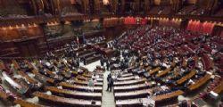 Stipendi alla Camera shock : da 400mila a 136 mila euro