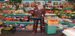 Ridicola! Wanda Nara con il pigiama di lusso dal fruttivendolo