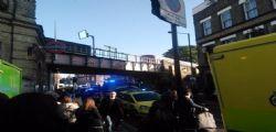 Attentato Londra in metro: almeno 20 feriti - secondo ordigno disattivato