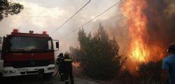 Grecia, incendi nella zona di Atene : almeno 56 morti