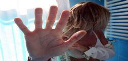 Napoli : Minaccia una 14enne per farsi inviare video osè