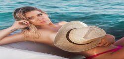 Wanda Nara sirenetta super sexy tra le onde
