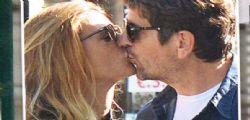 Fabio De Luigi e Jelena Ilic si baciano in pubblico!