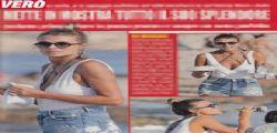 Sexy Cristina Chiabotto in topless in spiaggia