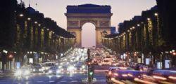Natale a Parigi : si illuminano gli Champs Elysees