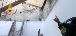 Crolla tetto in aula di un istituto tecnico a Fermo : nessun ferito