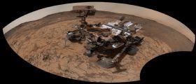 Nuovo selfie da Marte : Curiosity si fotografa a Pahrump Hills