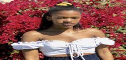 Uyinene va a ritirare pacco! Ma viene stuprata e uccisa da un impiegato dell'ufficio postale