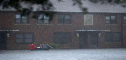 Uragano Florence raggiunge la costa : 100mila case senza elettricità