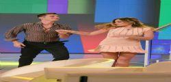 Mentre balla scopre il lato B! L