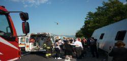 Mantova : Scuolabus con 50 bimbi fuori strada, 23 feriti