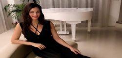 Manuela Arcuri e il bikini super sexy che fa impazzire tutti