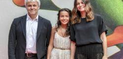 Sophie : la figlia di Pietro Taricone sul red carpet con mamma Kasia e Domenico Procacci