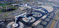 Usa : Evacuato scalo Newark per pacco sospetto