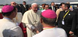 Papa Francesco arrivato in Myanmar