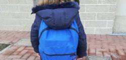 A Novara in classe tutti i bimbi con lo zainetto uguale