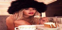 Rita Ora super sexy e golosa : Tutta nuda su instagram