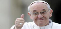 Papa Francesco non giudica i gay