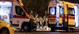 A4 Torino-Milano : Tir travolge auto al casello e fugge - Morti due genitori e tre bimbi gravi