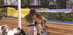 Al Grande Fratello il bacio tra Mila e Martina spiazza tutti