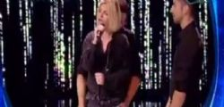 Scherzo Amici Emma Marrore : Mi stai toccando, non balli - Video