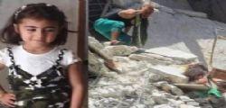 Siria, la piccola muore cerando di salvare dalle macerie la sorellina di 7 mesi