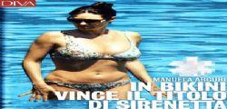 Manuela Arcuri super sexy in bikini a 42 anni