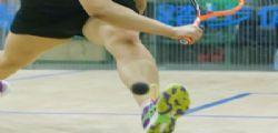 Vibratore e kit di depilazione alla vincitrice del torneo di squash!