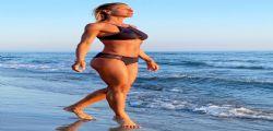 Sempre più bella! A 44 anni il bikini di Martina Colombari è perfetto