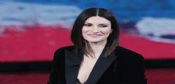 Laura Pausini: Il mio post su Bibbiano era per i bimbi!