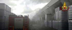 Empoli, incendio nella vetreria Zignago : Nube tossica, restate in casa