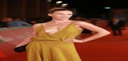 Milena Mancini fuori si seno : Incidente hot sul red Carpet a Roma